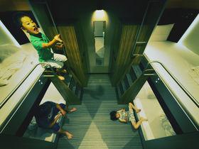 進化系カプセルホテルでキャンプ気分!グローバルキャビン横浜中華街