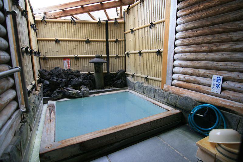 五感を刺激する硫黄泉!別府・明礬温泉「旅館 みどり荘」の貸切風呂