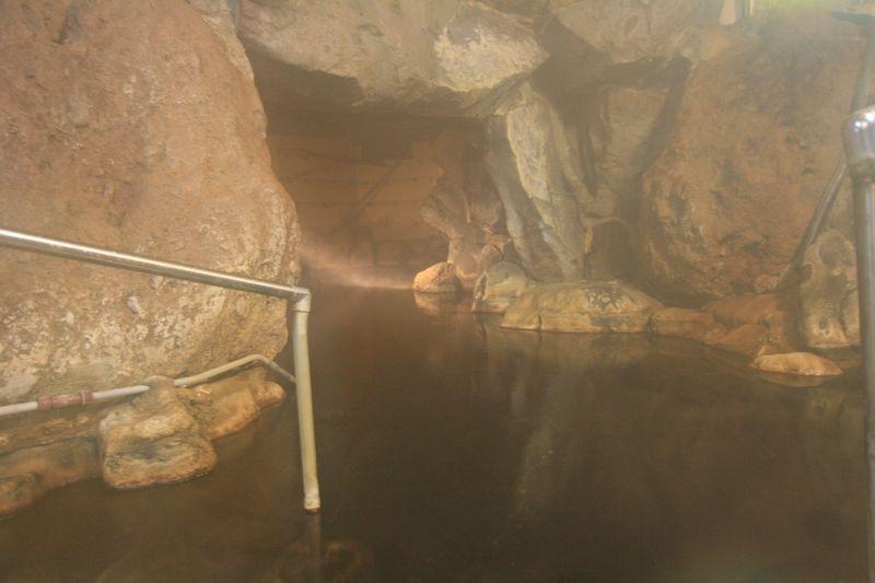 幻想的な洞窟風呂!由布市・湯平温泉「旅館 志美津」で時を楽しむ