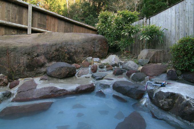 「五湯苑」で美しい硫黄泉を独占堪能