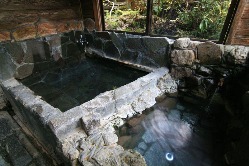 炭酸水の贅沢そうめん!大分「黒嶽荘」で過ごす涼しいひと時