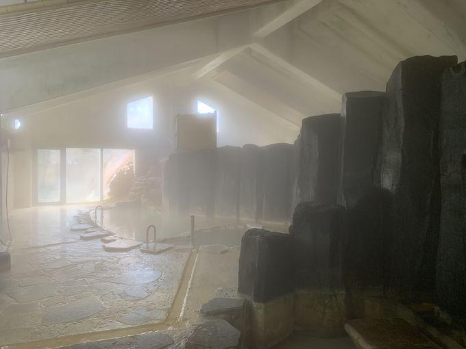 迫力のある大浴場