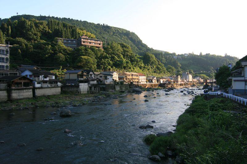 駅チカ観光名所!大分・天ヶ瀬の「桜滝」と「駅前温泉」