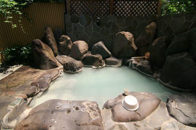 大浴場でも堪能できる硫黄泉