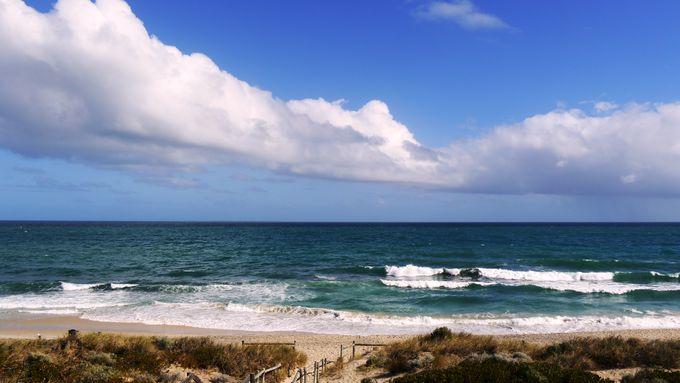 空いてる!きれい!青い海と白い砂浜
