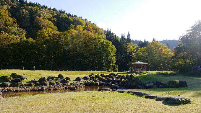 滝の前には広くてきれいでしかも無料のキャンプ場!
