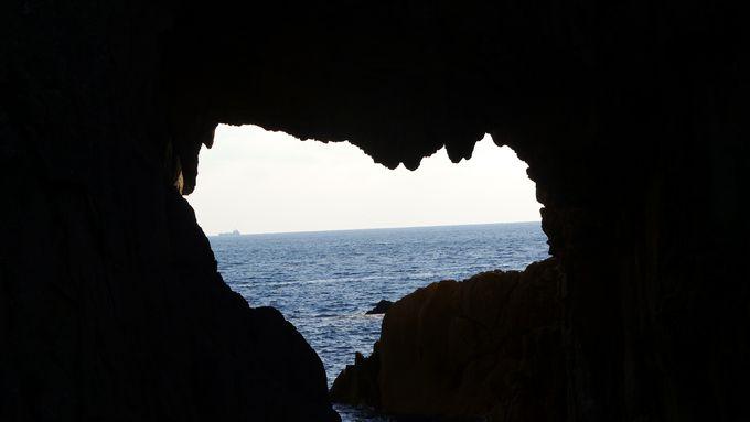 大自然が作ったハートのパワースポット「白山洞門」