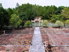 """""""ベトナムの京都""""フエでとびきり長閑な世界遺産「ティエウチー帝陵」"""
