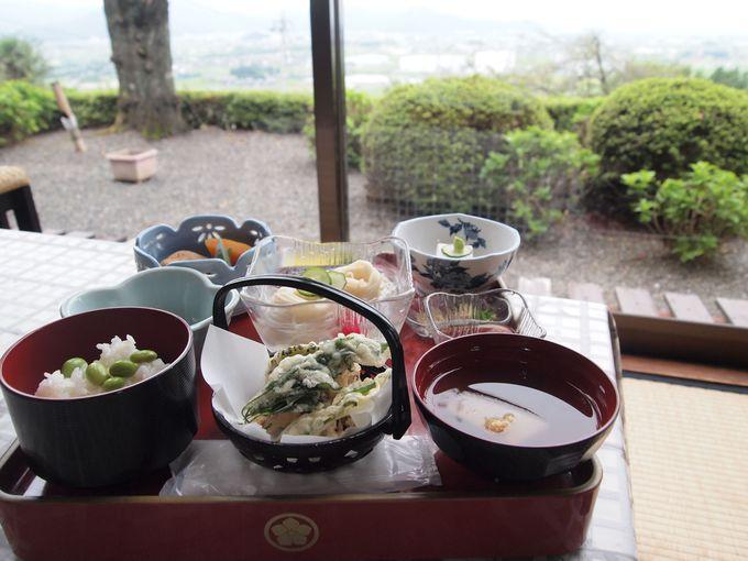 お寺の温泉ならではの「精進料理」も魅力!