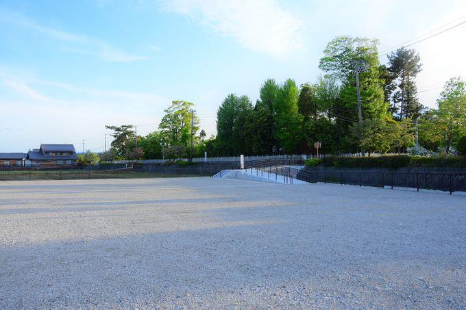 大型駐車場も完備