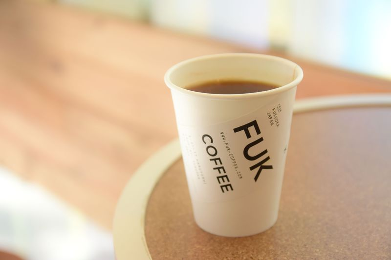 空港コードが店名に!旅人必見の「FUK COFFEE」で至福の時間を