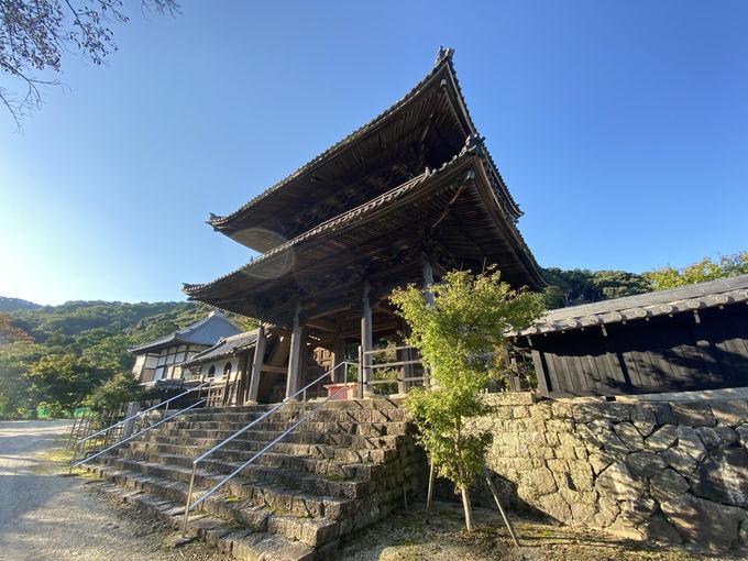 養老山脈の中腹に佇む行基寺