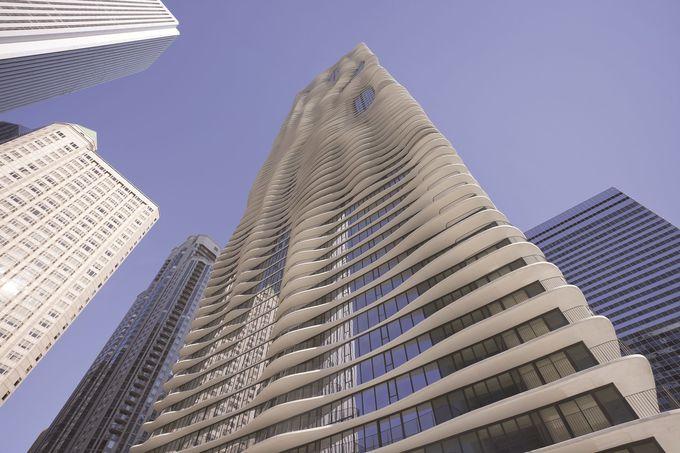 デザインで見るシカゴ「ラディソン・ブル」