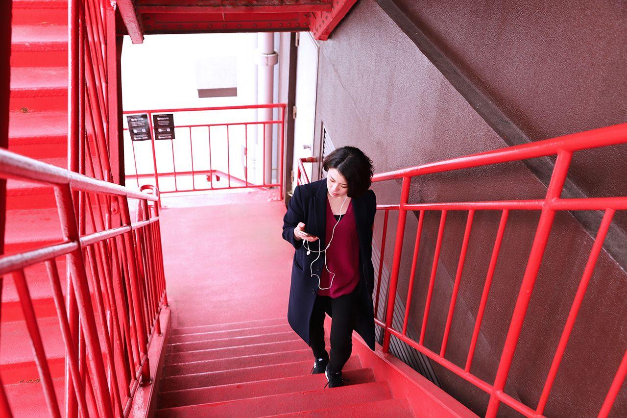 外階段をのぼるたびに歴史をさかのぼる
