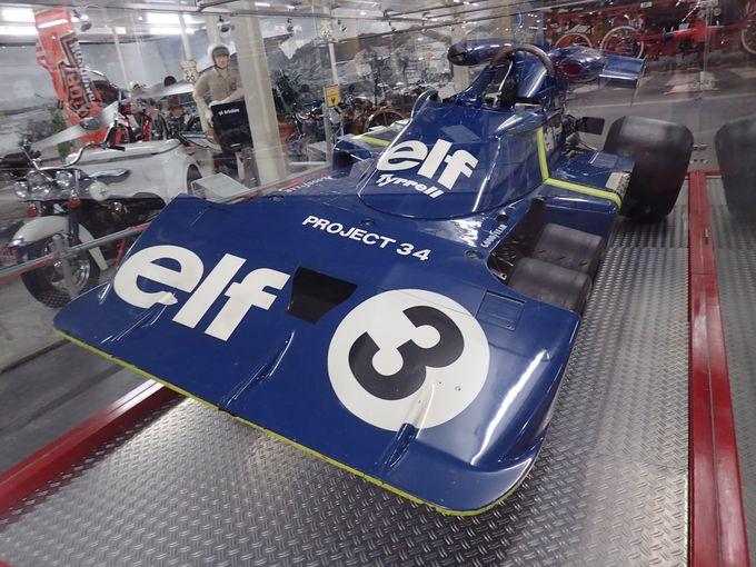 素晴らしいF1マシンの展示。