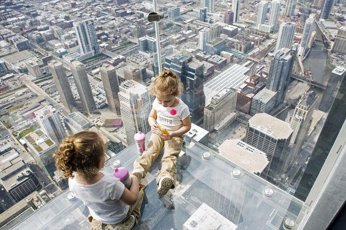 摩天楼を空中散歩できるザ・レッジ