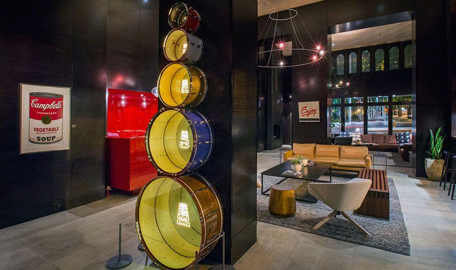 シアトル「ホテル・マックス」でローカルビール&アート三昧