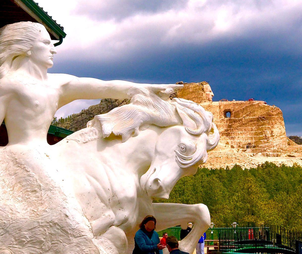 完成すれば世界最大級の彫刻に!クレージーホース・メモリアル