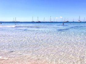 イビサ島のおすすめ観光スポット8選!美しい海にチルアウト音楽、歴史遺産を楽しもう