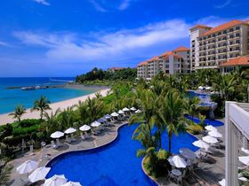 沖縄の大自然と一体化するリゾート、ザ・ブセナテラス