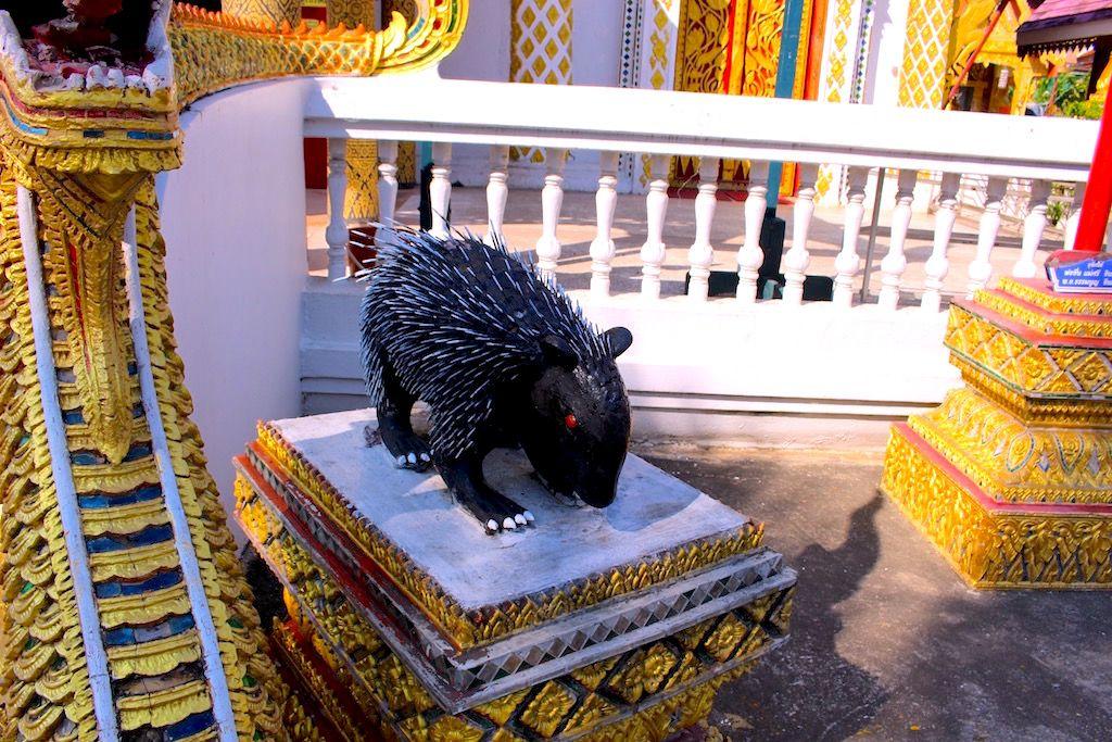 プレーの寺院で「徳を積む」!
