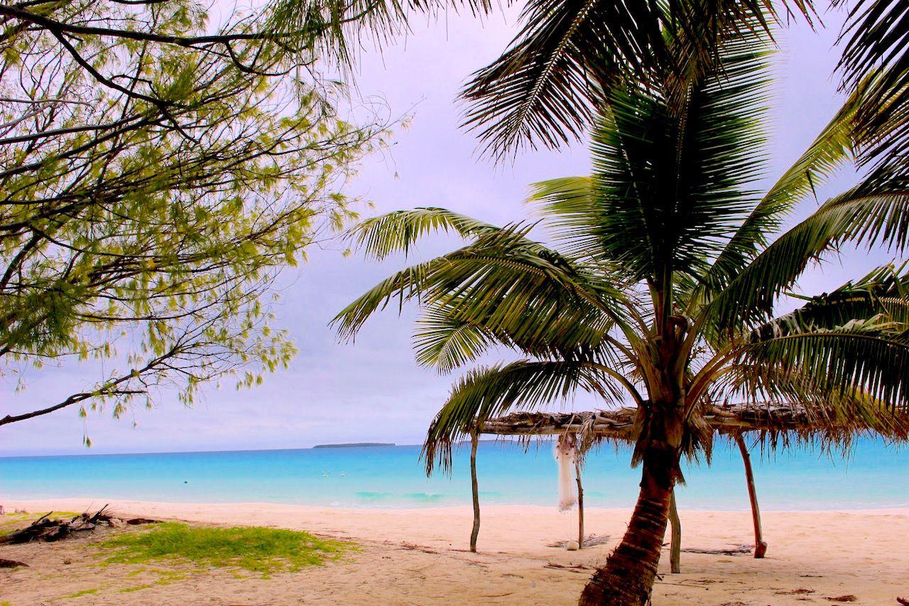 映画版「天国にいちばん近い島」のロケ地は「トモヨビーチ」!