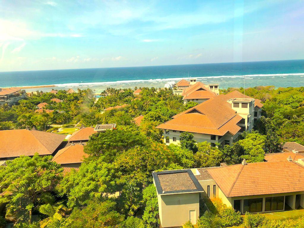 上からも下からも!様々な高さから楽しめるインド洋の絶景