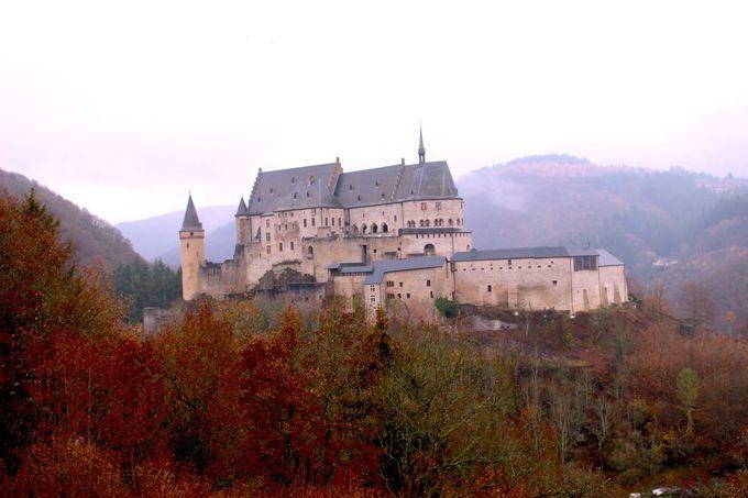 古代からの歴史を刻むヴィアンデン城