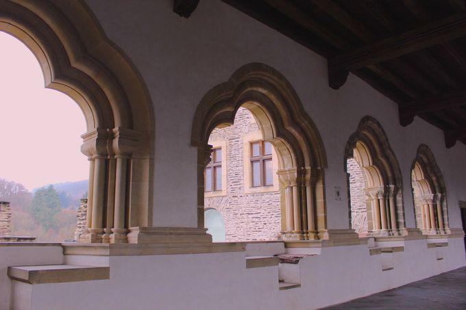 興味深い家具調度品が色々!中世の「お宅拝見」