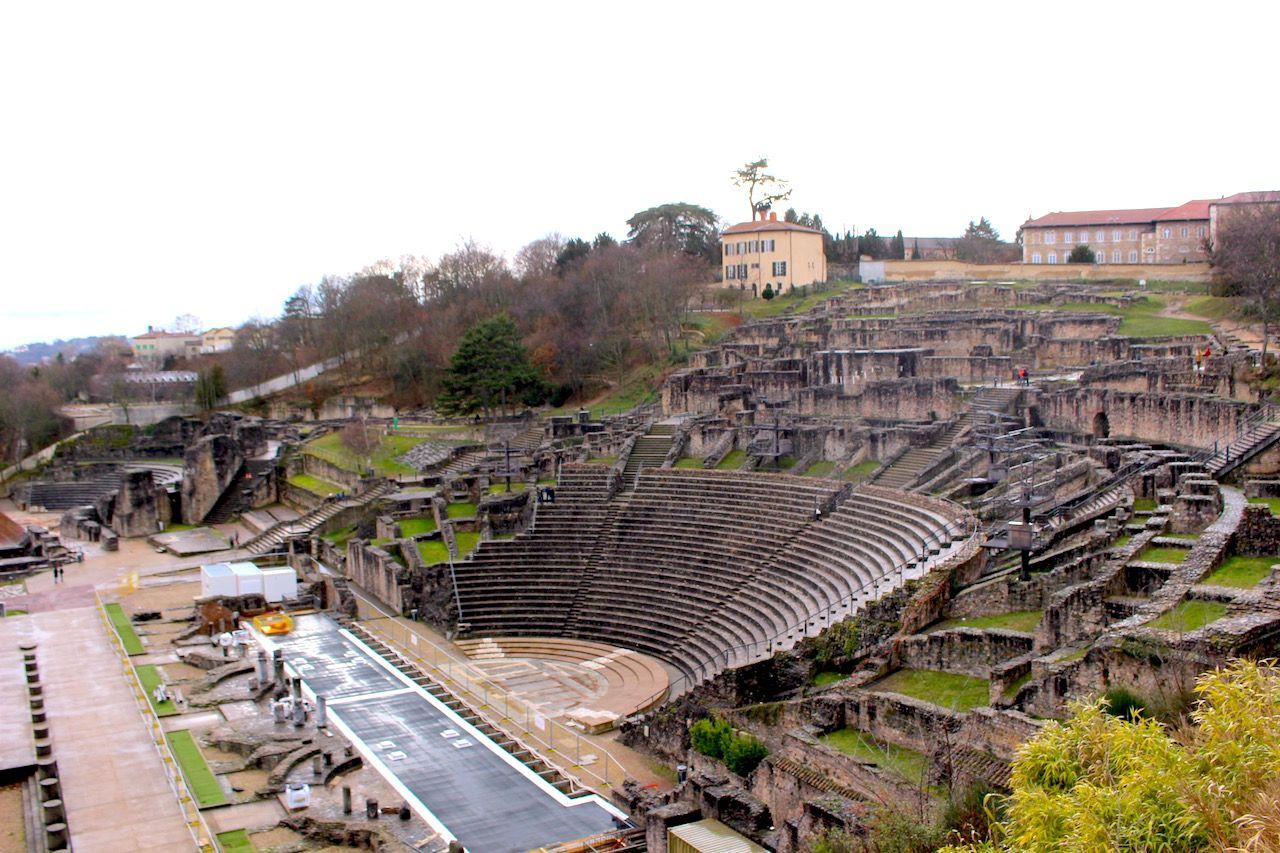 フルヴィエールの丘で古代ローマにタイムスリップ