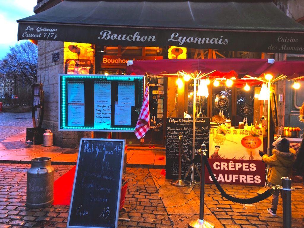 ルネッサンス様式の建物が連なる、リヨンの街を食べ歩く!