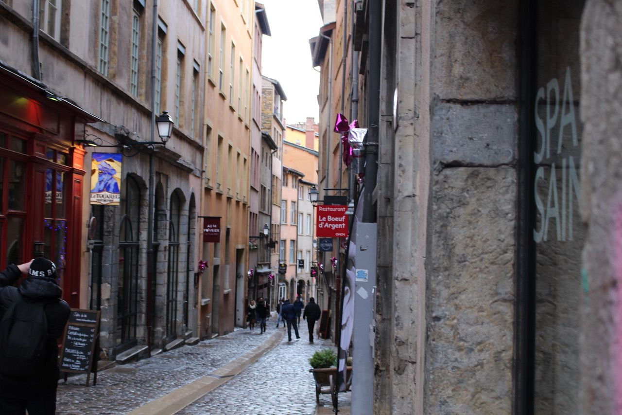 グルメとロマンの街歩き!フランス・リヨンを観光しよう | フランス ...