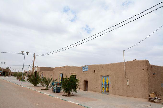 サハラ砂漠の壮大さを実感する