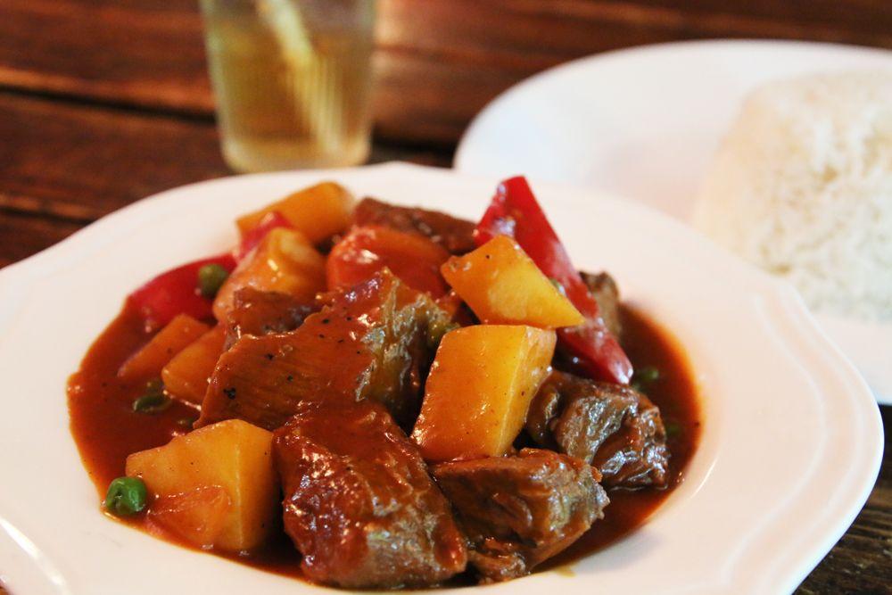テニアンならではのチャモロ料理が美味しい!