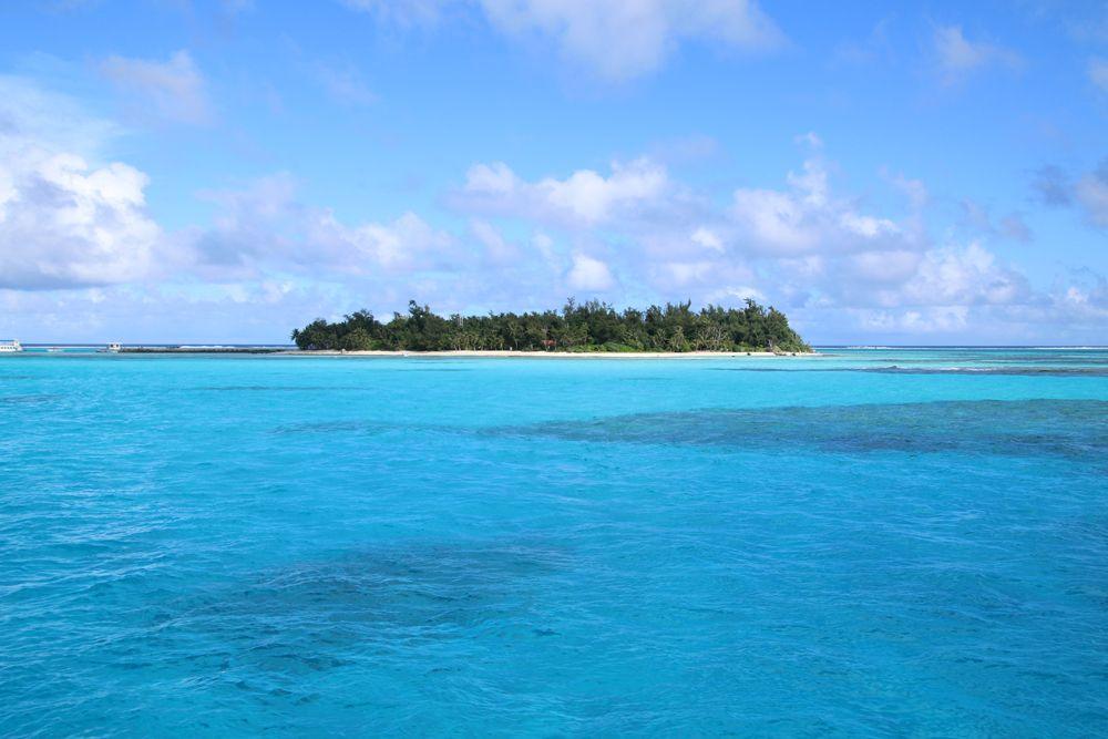 """マニャガハ島のビーチは透明度が桁違い! 気軽に行ける""""地上の楽園""""とは"""
