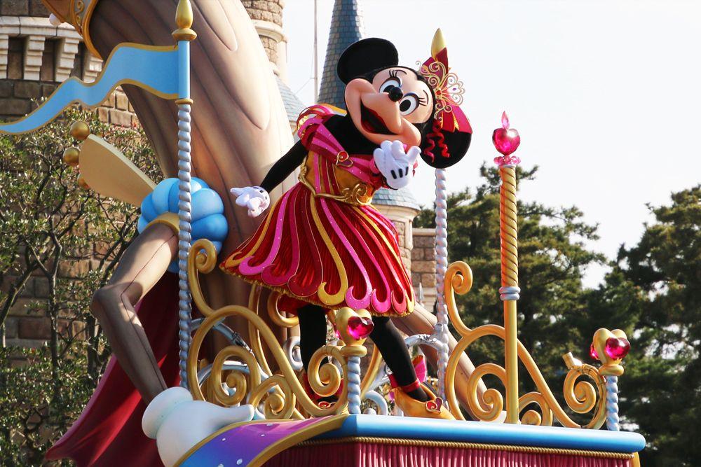 2.新しいお昼のパレードで夢の世界へ