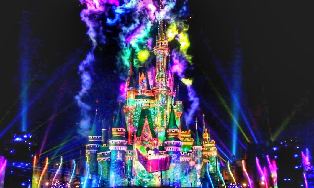 「Celebrate! Tokyo Disneyland」は感動の連続!見どころを解説
