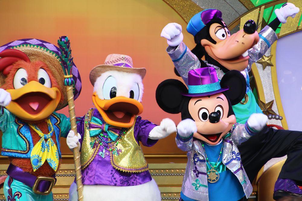 東京ディズニーランドの新しいショー「レッツ・パーティグラ!」