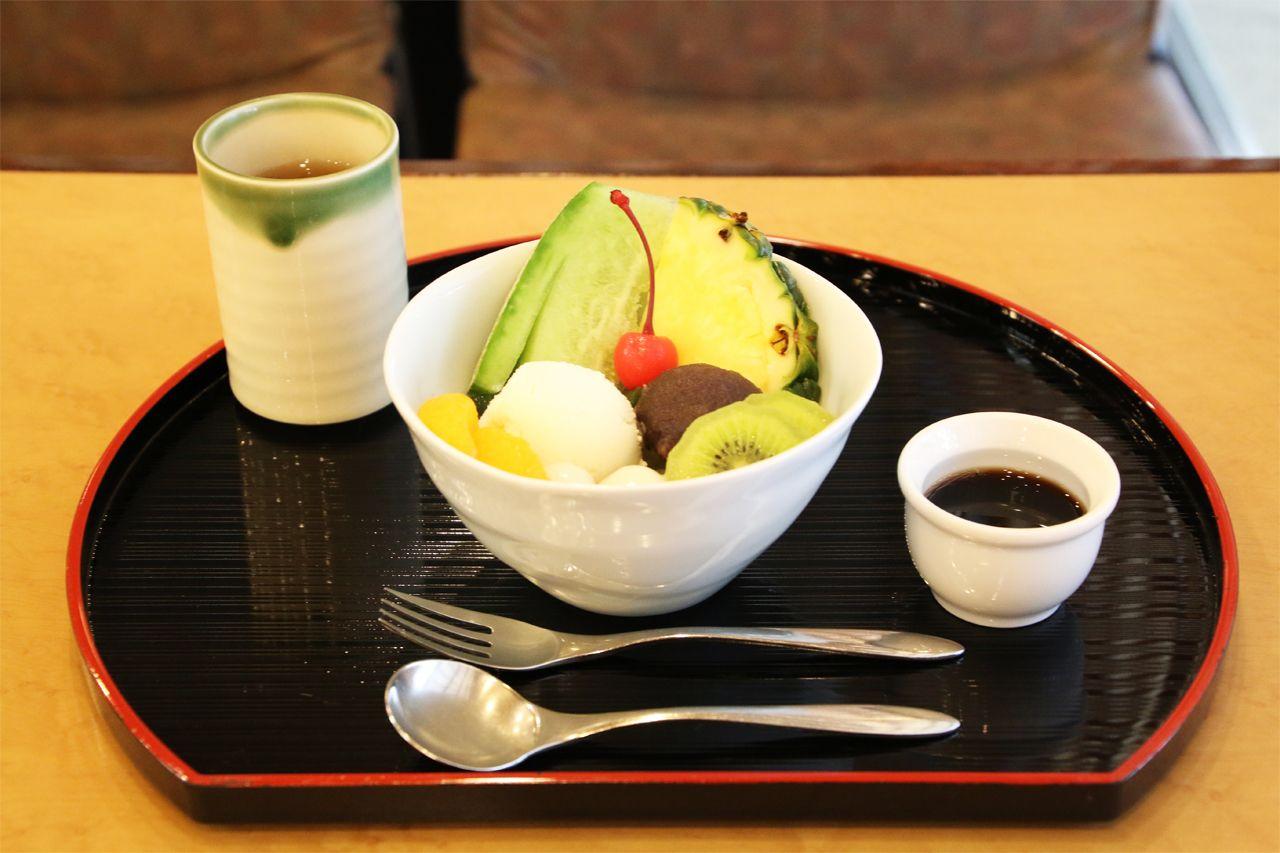 これぞ、本物のあんみつ。東京限定・和菓子屋直営の喫茶室