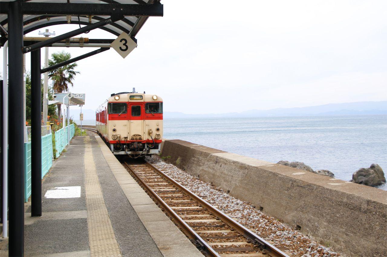 海に一番近い駅「千綿駅」にも訪れて