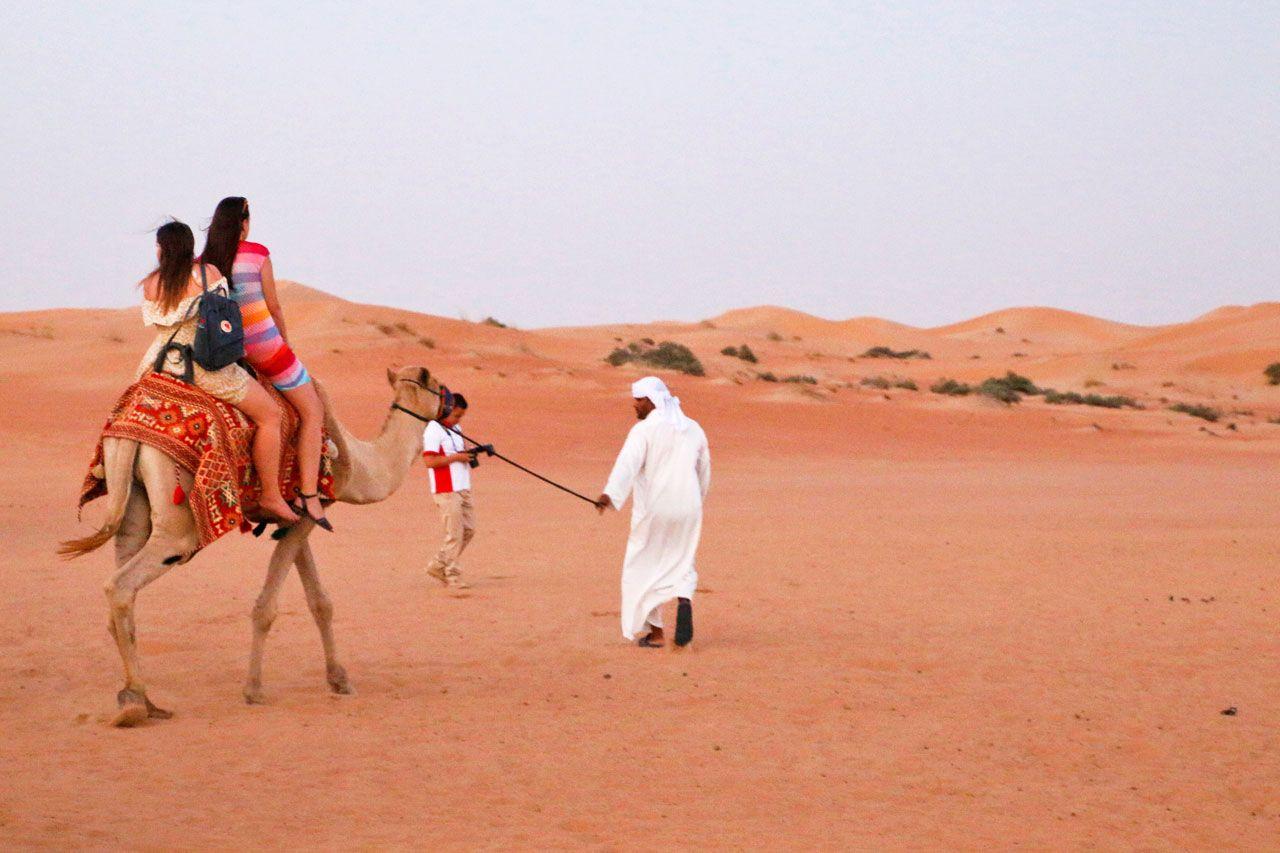 ラクダに乗れる!キャンプサイトでアラビアン体験