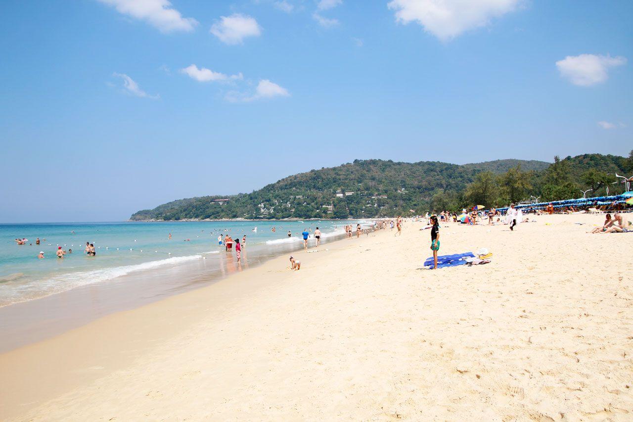 綺麗な海で、ゆっくり泳ぎたいならここ。カロン・ビーチ