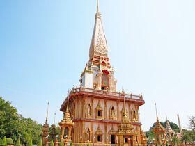 ワット・チャロンの仏舎利塔が美しい。プーケット・人気観光地