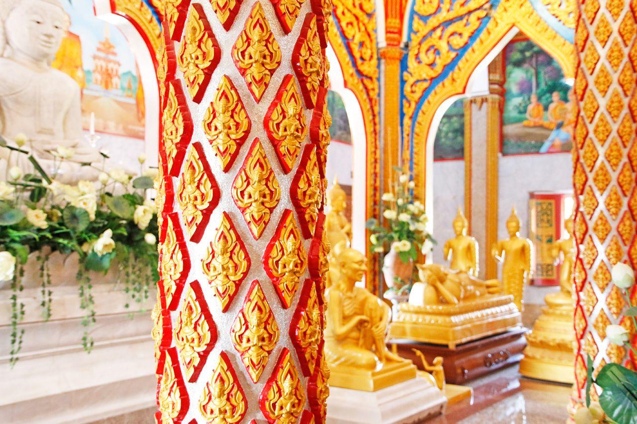 黄金の仏陀像がずらり…!仏陀の生涯を学ぶ