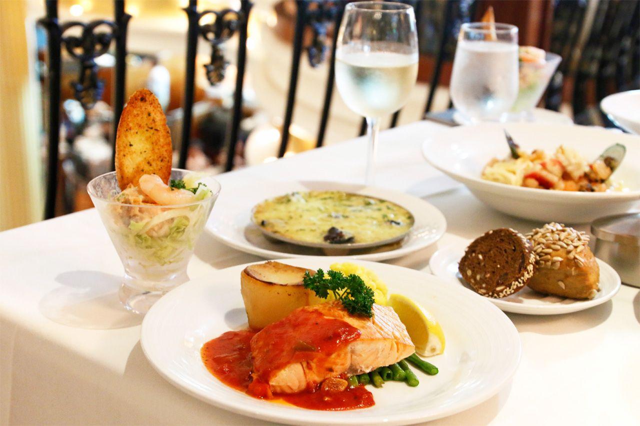 おいしい無料の食事!高級レストラン&食べ放題ビュッフェ