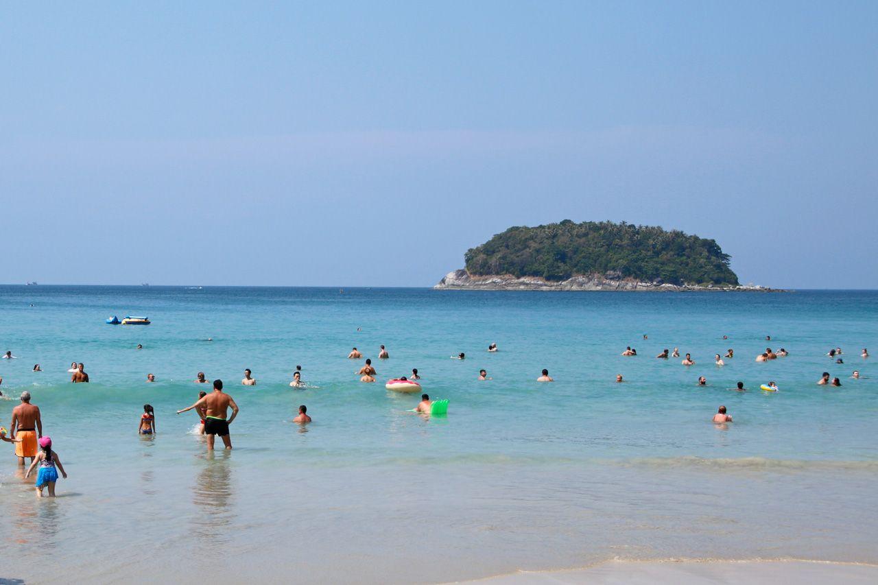9:00〜:カタ・ビーチで「アンダマン海の真珠」を堪能