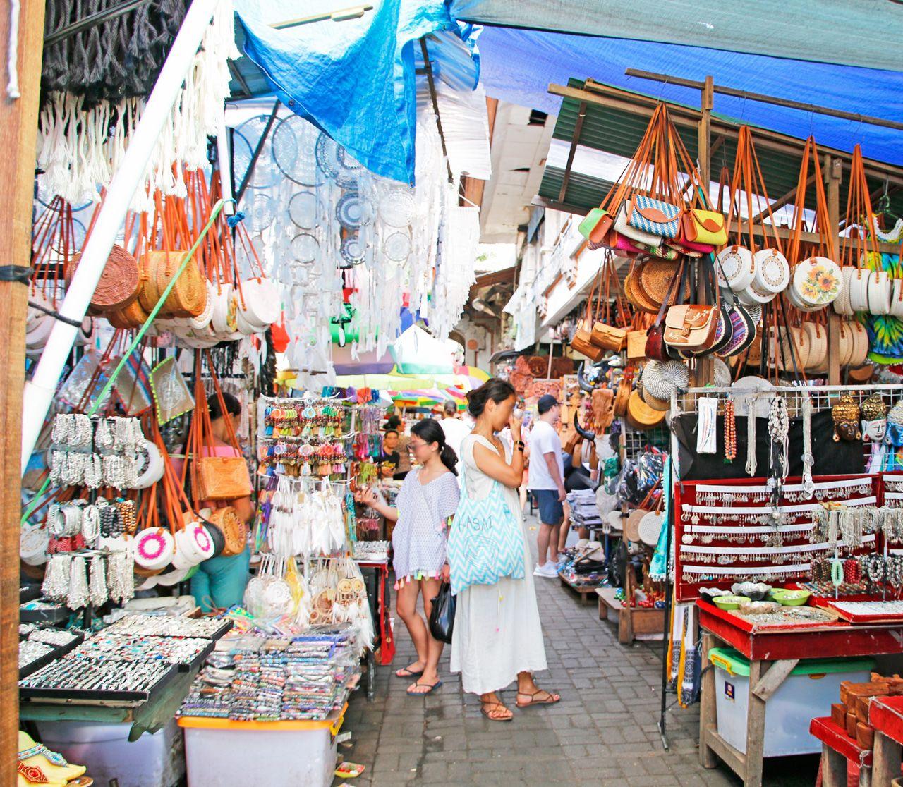 バリ島・ウブドの定番観光スポット!ウブド市場とは