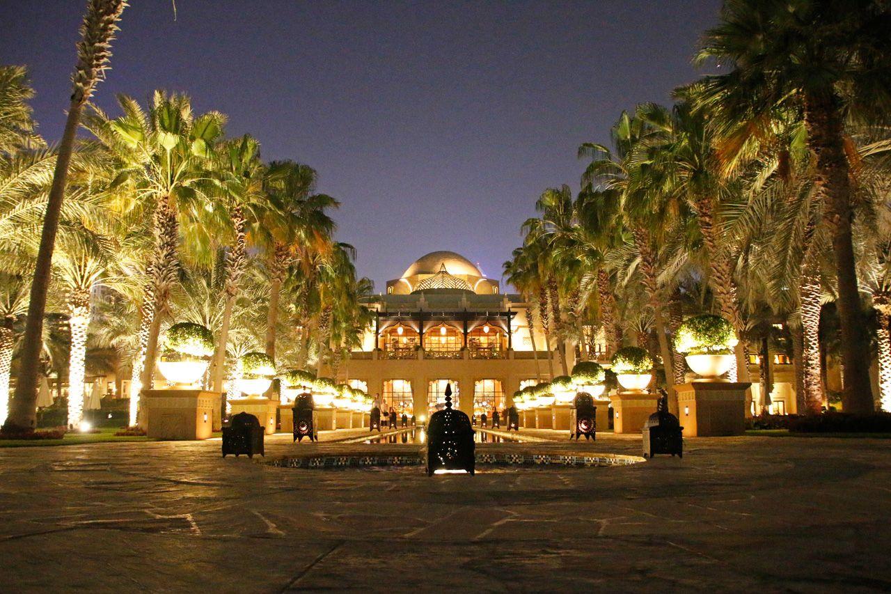まさに王宮。アラベスク模様が美しい「パレス」