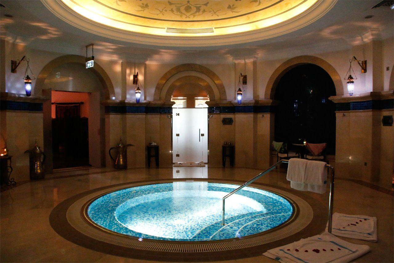 ドバイ高級ホテルの「オリエンタル・ハマム・スパ」