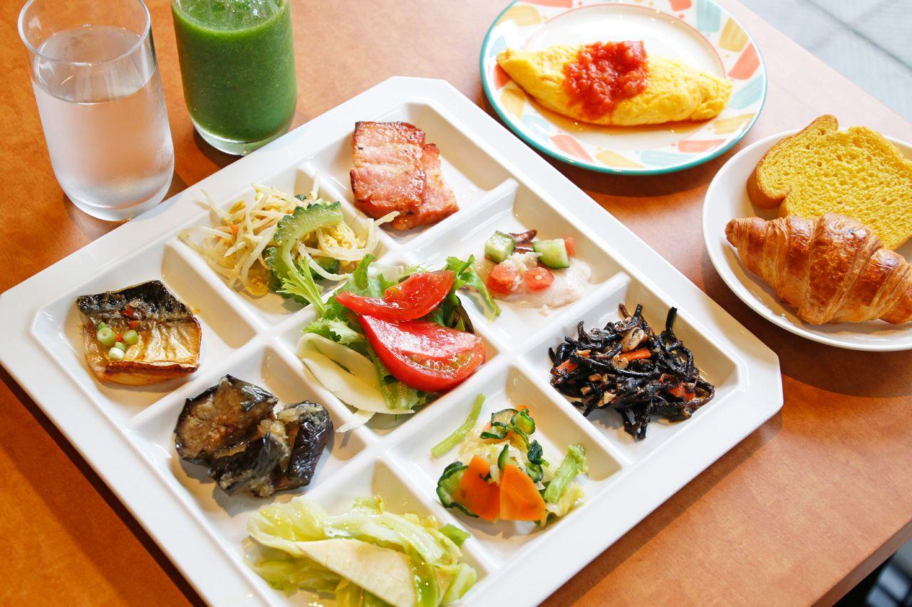 朝食が美味しい!70種類のメニューから好きなだけ